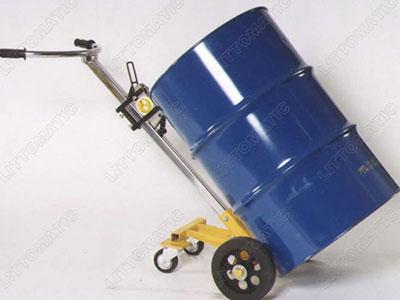 机械式油桶车